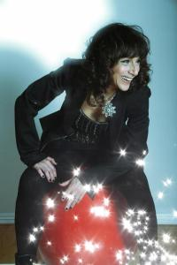 Mistress of UnCabaret Beth Lapides: boldly leading moms into laughter.