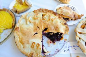 Bet you can't eat just one.... (Photo courtesy KCRW Good Food Pie Contest)